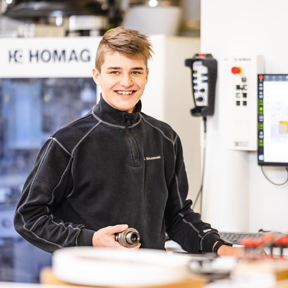 Kjell Struminski Auszubildender Tischlerei Schröer